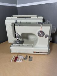 Nice Sears Kenmore Featherweight Portable Sewing Zig Zag Machine 1040 Rose Case
