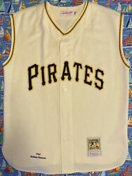 Authentic Mitchell And Ness Pittsburgh Pirates Roberto Clemente Jersey