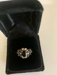 Saphire And Diamond Ring Set In Gold