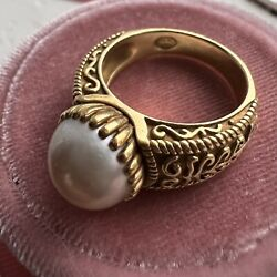 Cynthia Bach Pearl And Solid 18k Gold Ring. Size 7.5