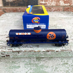 Athearn Ready To Roll Ho Scale Union Oil Single Dome Tank Car 10544