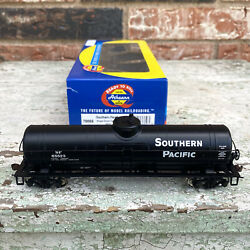 Athearn Ready To Roll Ho Scale Southern Pacific Single Dome Tank Car 65523