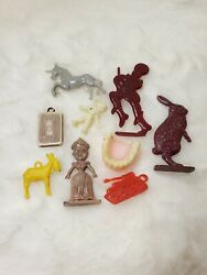 Vintage Cracker Jack Toys Lot Of 9 Gumball Machine Charms Prizes Vtg 40s And Up