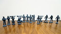 Vintage Lot Marx Cape Canaveral Blue Ground And Air Crew Play Set Soldier Figures