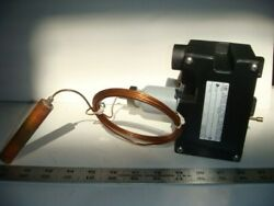 United Electric Controls, Thermostatic Switch, Model 20139, 300-400 F