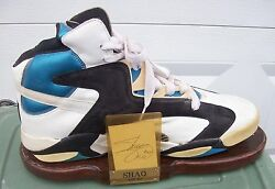 Shaquille Oand039 Neal Reebok The Pump Shoe Custom Display W/ Signed Card