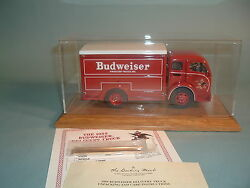 1955 Budweiser Delivery Truck And Display Case Danbury Mint Diecast 124