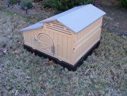 Formex Snap Lock Standard Chicken Coop Backyard Hen House 3-4 Large 4-6 Bantams