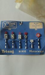 triang minic motorways m1702 the country