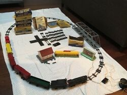 Vintage 1951 American Flyer Train Set Has Been In Storage For Over 60 Years.