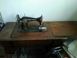 Singer Sewing Machine With Desk And Drawers. Foot Pedal Operated.