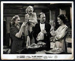 Lady Vanishes 1938 Margaret Lockwood, Googie Withers 10x8 Lobby Card