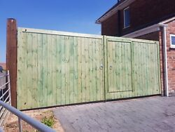 Flat Top With Tradesman Door - Wooden Driveway Gates - Heavy Duty - Timber