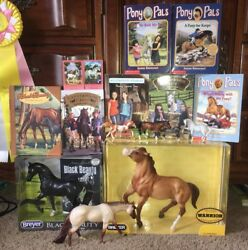 Breyer Traditional LE Warrior Mustang#701846 +Books-Stablemates