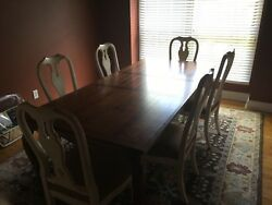 Ethan Allen Luxurious Brown Maple Dining Room Table And 6 Chairs