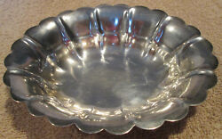 Vintage 6 1/8l X 5 1/8w X 1 3/8h Sterling Silver 124 Grams Candy/nut Dish