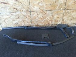 MERCEDES BENZ W211 E500 OEM FRONT WINDSHIELD WINDOW WASHER WIPER BLADE BLADES