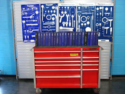TRIUMPH MOTORCYCLE DEALER SPECIAL TOOLS AND MANUALS