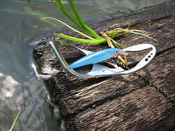 Surfer Fishing Lure Retriever For All Types Of Hard And Soft Lures And Baits