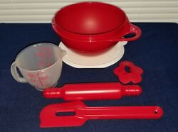 Tupperware Childrenand039s Baking Set. Christmas Red 5 Piece Set. New