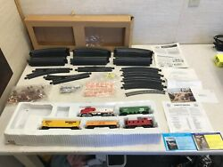 Vintage Bachmann Train Set -5 Cars, 42 Tracks, Misc Sign + People Pieces, Manual
