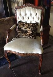 Authentic French Antique Button And Tucked Back Louis Xv Style Accent/side Chair