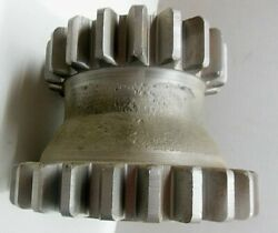 Used John Deere Unstyled A Tractor 19 And 25 Tooth Countershaft Idler Gear A1578r