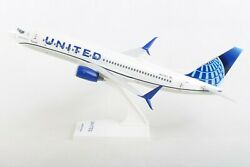 Skymarks Skr1028 United Airlines 737-800 1/130 Scale Plane With Stand