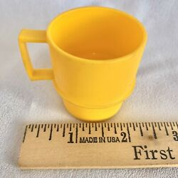 """Vintage Tupperware Tuppertoy Mini Coffee Mug 2"""" Cup Harvest Yellow Toy Dishes"""