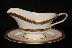 Rare Discontinued Royal Worcester Coronet 2 Pc Gravy Boat With Underplate Mint