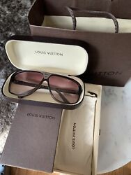 Louis Vuitton Evidence Sunglasses Grey Silver Hardware