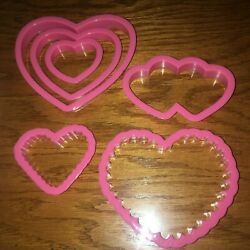 Wilton NEW Plastic Cookie Cutters Set of 8 Valentine Heart Themed Free Ship $7.00