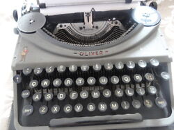 Oliver Vintage Antique 1950s Typewriter -working And Boxed.