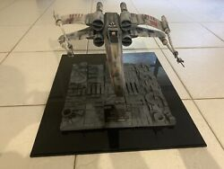 Icons Star Wars X-wing Fighter 666/1977 Very Rare