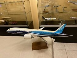 1100 Scale Pacmin Boeing 787-8 Desk Display Model