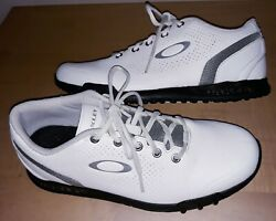 Oakley White Spikeless Golf Shoes Mens 8 $29.00