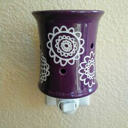 Scentsy Warmer Plug In Retired Discontinued Daisy Craze Portable Purple New