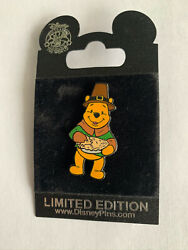 Disney Dlr Thanksgiving Day Pilgrim Winnie The Pooh With Pie Pin Le