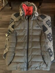 Northface Women's Vest With Fur Hood medium $100.00