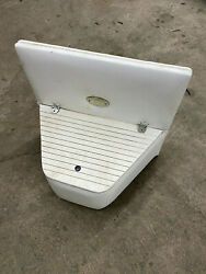 2003 Vip 2402 Suv Voyager Rear Of Boat Center Storage Console
