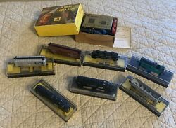 Lot Of 8 Vintage N Scale Bachmann Penn Station Locomotives/boxcars/power Pack