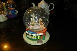 The Disney Store Lady And The Tramp Snowglobe Plays Belle Notte