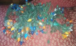Large Lot Of Vintage C7 Christmas Bulbs And Cords Reflectors Indoor Outdoor