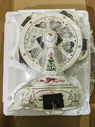 Avon Holiday Classic Ferris Wheel 2001 Victorian Style Porcelain Wind Up Musical