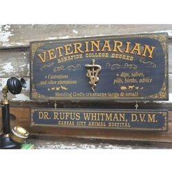 Veterinarian Personalized Wooden Sign With Nameboard