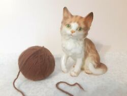 Lefton Cat Figurine - H2922 - Brown White - Green Eyes - Kitty - Collectors Love