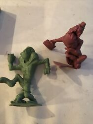 Vintage 1963 Suburban Sidney Red End Zone Green Nutty Mads Figure Marx Lot Of 2