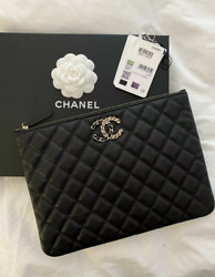 20k Classic Caviar Leather Clutch Nwt Rare / Sold Out