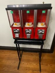 Oak Acorn 25 Cent Gumball Candy Nut Vending Machine On Stand W/tray And W/ Key
