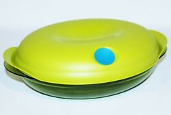 Tupperware Heat N Serve Oval Shallow 4.5 Cups Meadow Green W/ Peacock Blue Vent